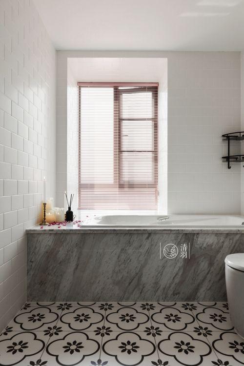 典雅85平混搭三居卫生间装修效果图卫生间床2图