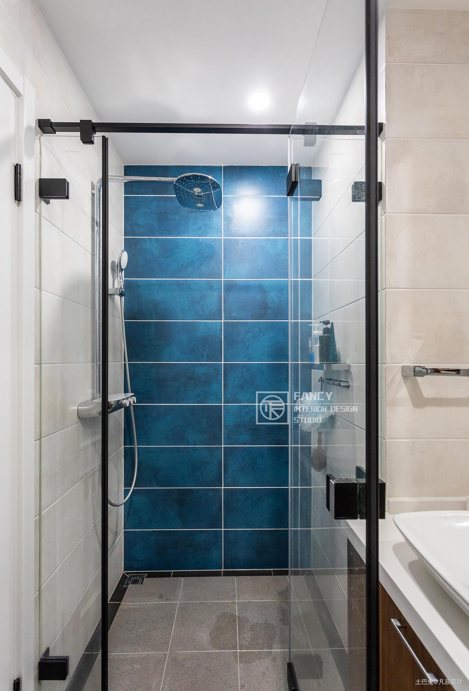 典雅117平现代四居卫生间图片欣赏卫生间马桶现代简约卫生间设计图片赏析
