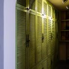 处女座的法式风格复式衣柜设计