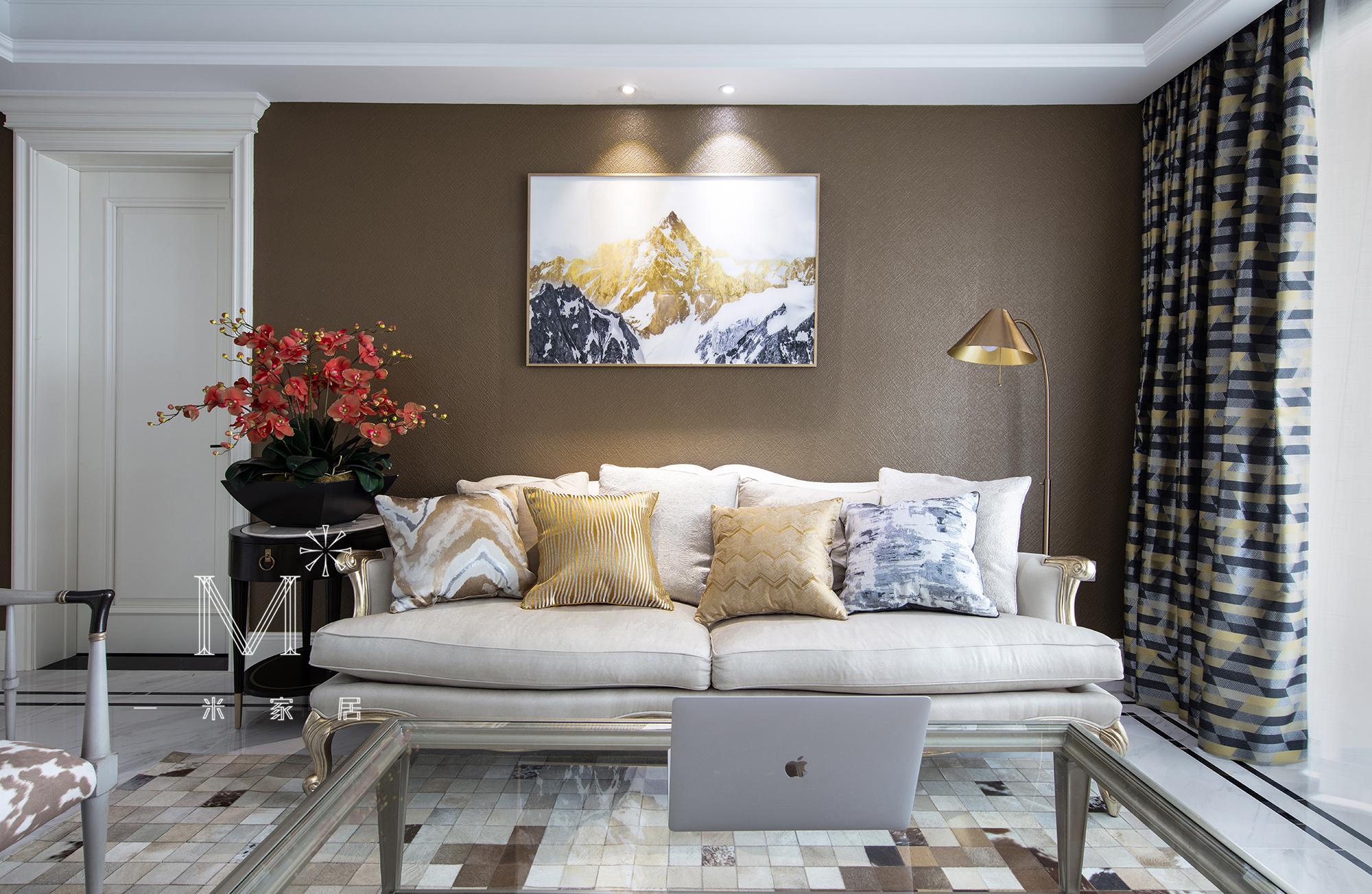 温馨305平美式复式布置图客厅美式经典客厅设计图片赏析