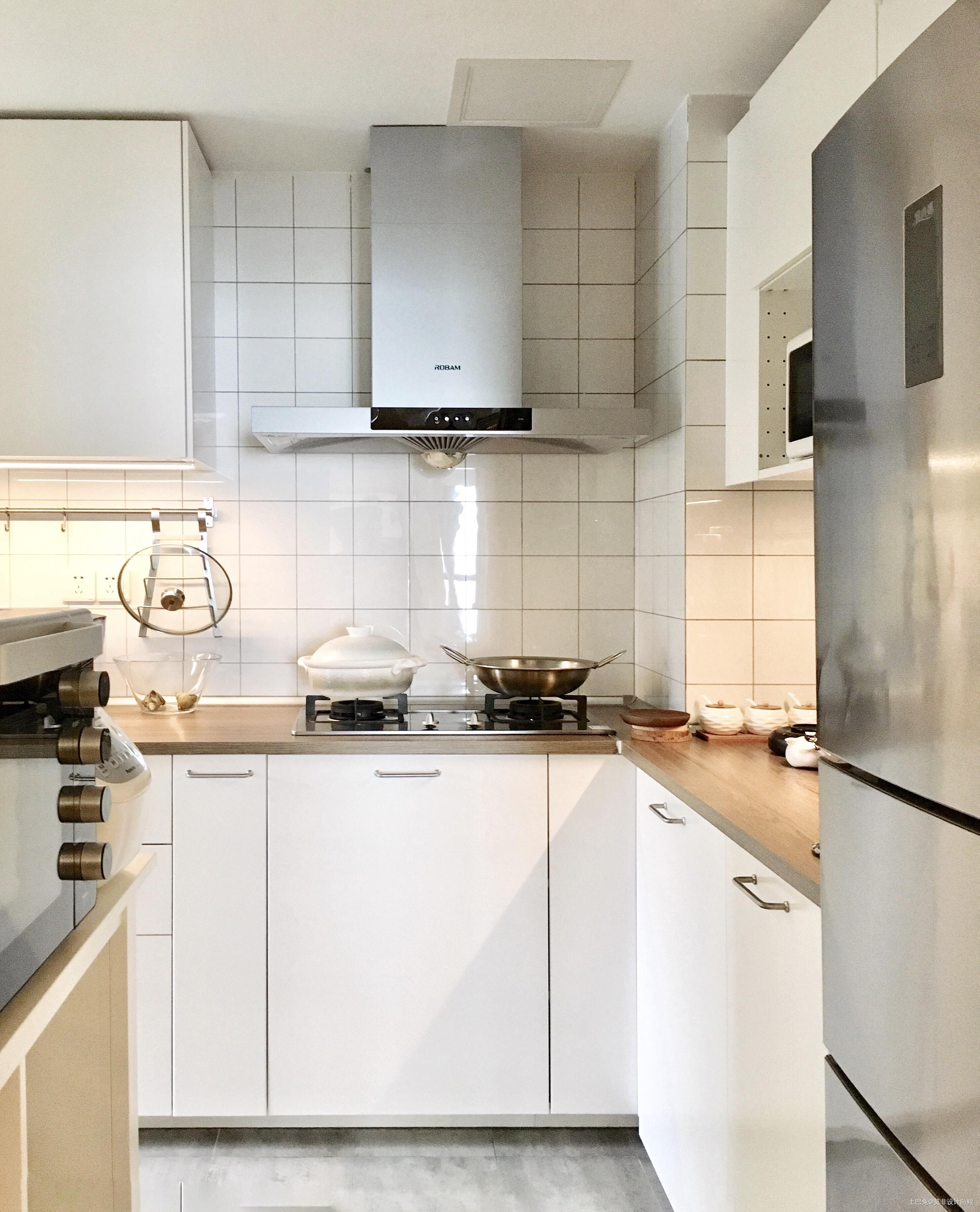 悠雅94平中式三居厨房装修装饰图餐厅橱柜中式现代厨房设计图片赏析