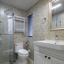 温馨美式三居卫浴设计