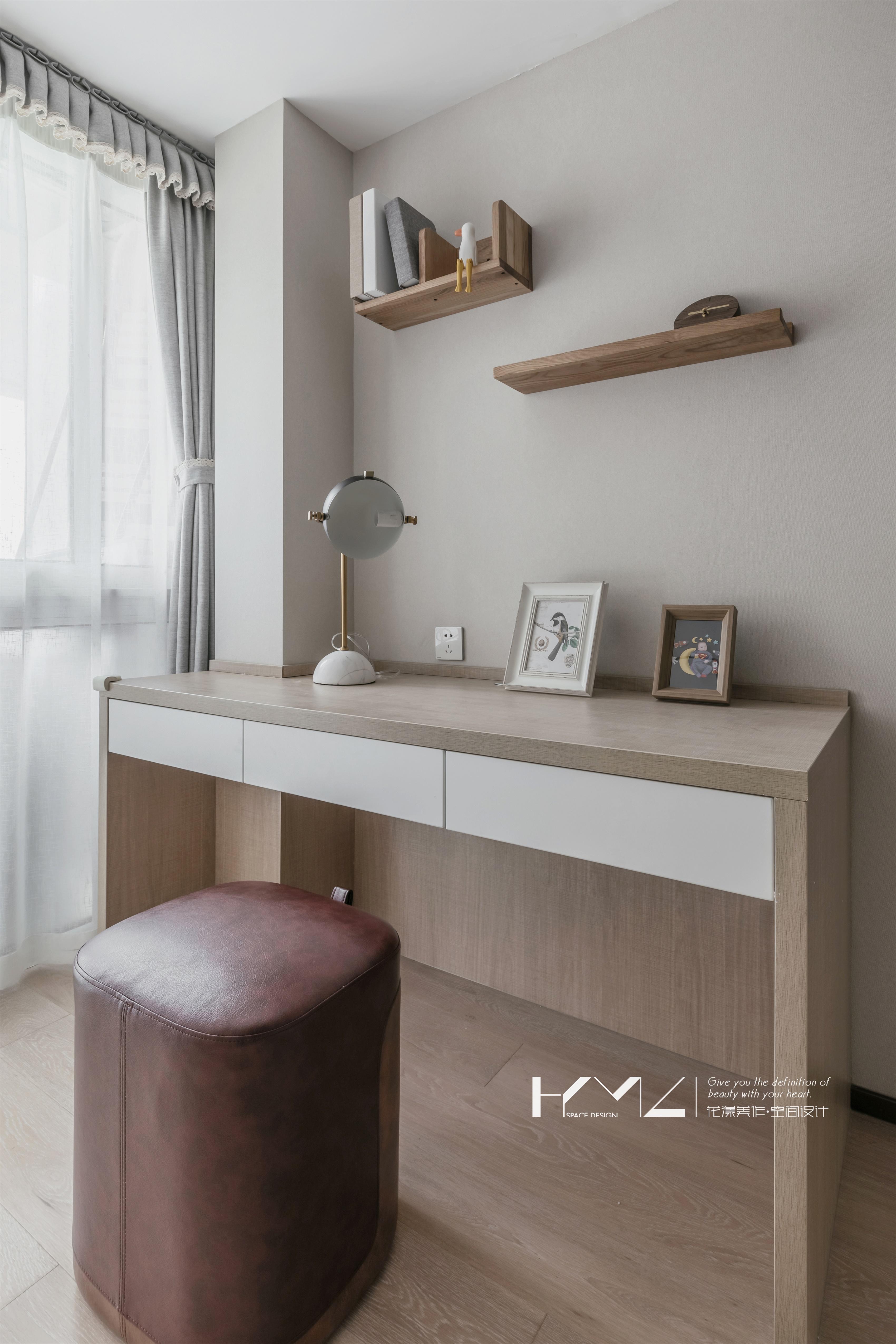 精美110平现代三居卧室装修图卧室现代简约卧室设计图片赏析