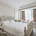 240㎡简美卧室飘窗设计