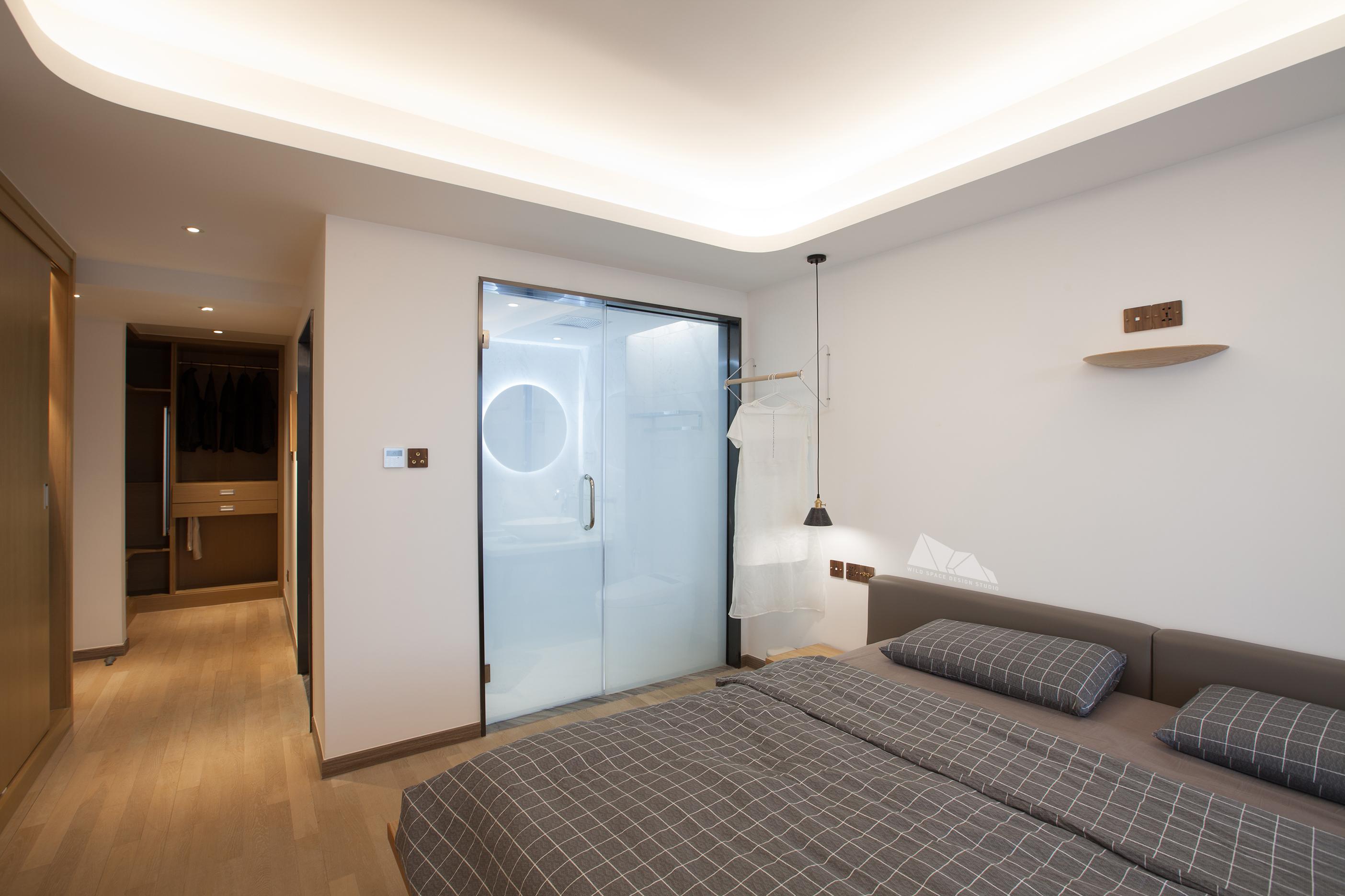 精致130平简约四居卧室装修图卧室木地板现代简约卧室设计图片赏析