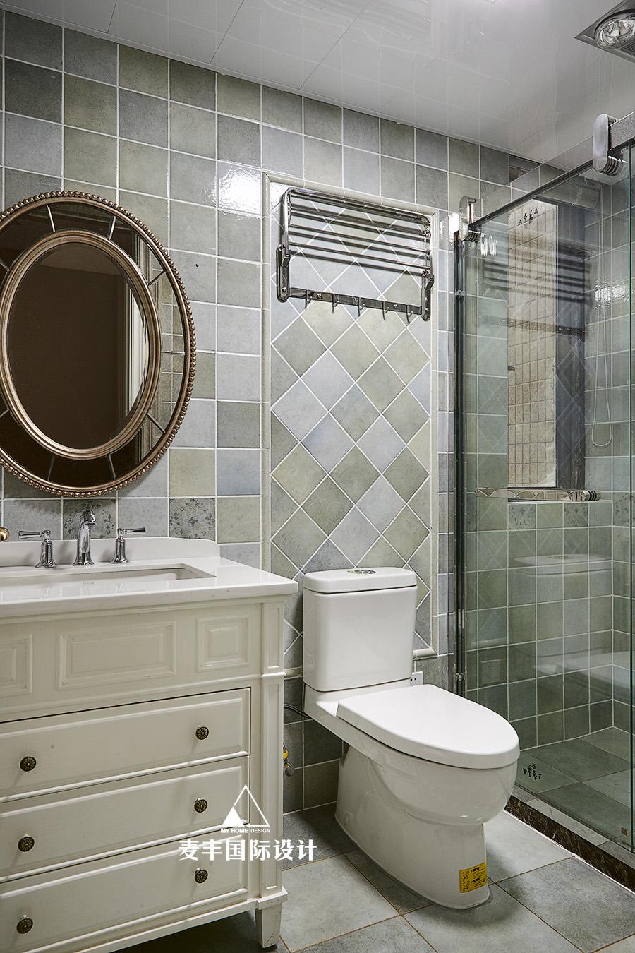 轻奢113平混搭三居卫生间装修图卫生间马桶潮流混搭卫生间设计图片赏析