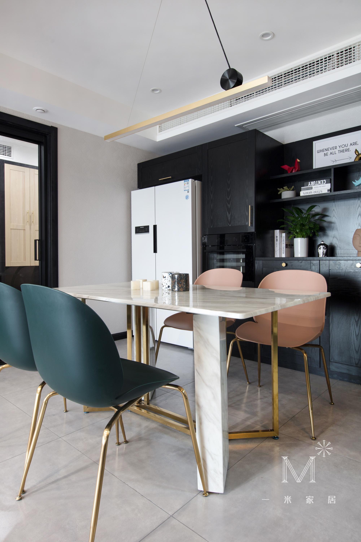 质朴21平现代小户型餐厅案例图厨房现代简约餐厅设计图片赏析