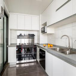 黑白调现代厨房实景图