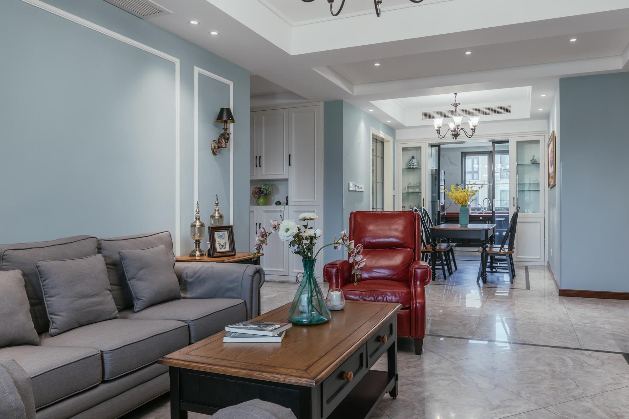 悠雅95平美式四居客厅实景图客厅