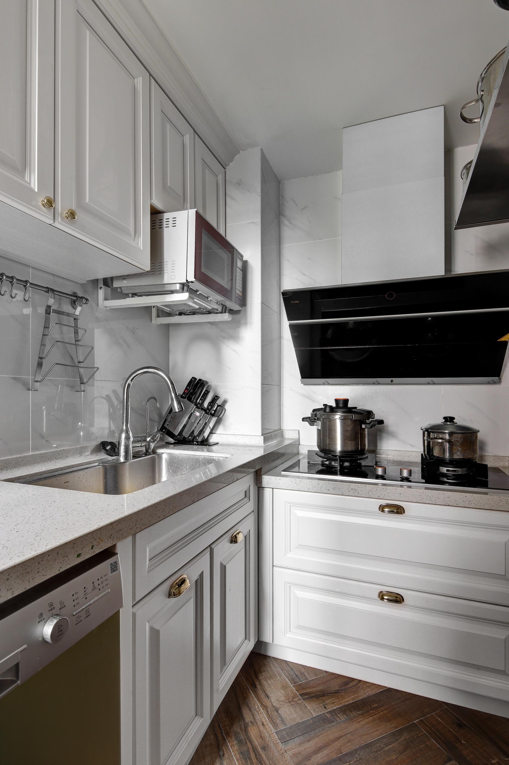 悠雅87平简约三居厨房效果图片大全餐厅现代简约厨房设计图片赏析