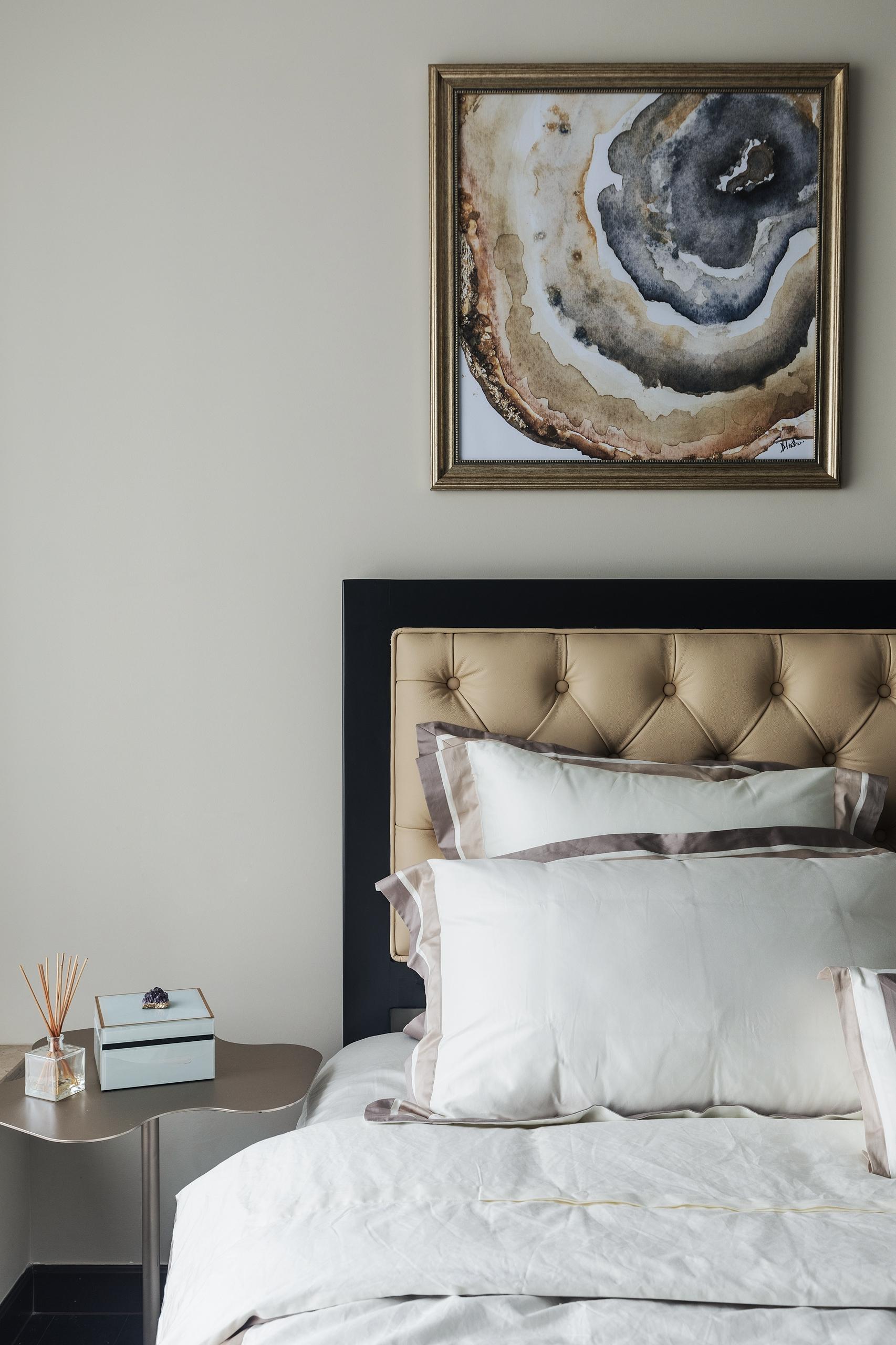 质朴123平简欧三居卧室装修图片卧室床头柜2图北欧极简卧室设计图片赏析