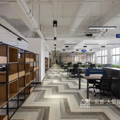 无拘·界限:赋有弹性的办公空间