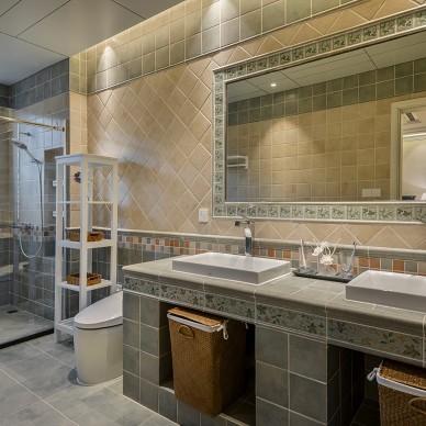 精简现代别墅卫浴设计图