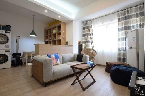 平现代二居客厅实拍图客厅窗帘61-80m²现代简约家装装修案例效果图