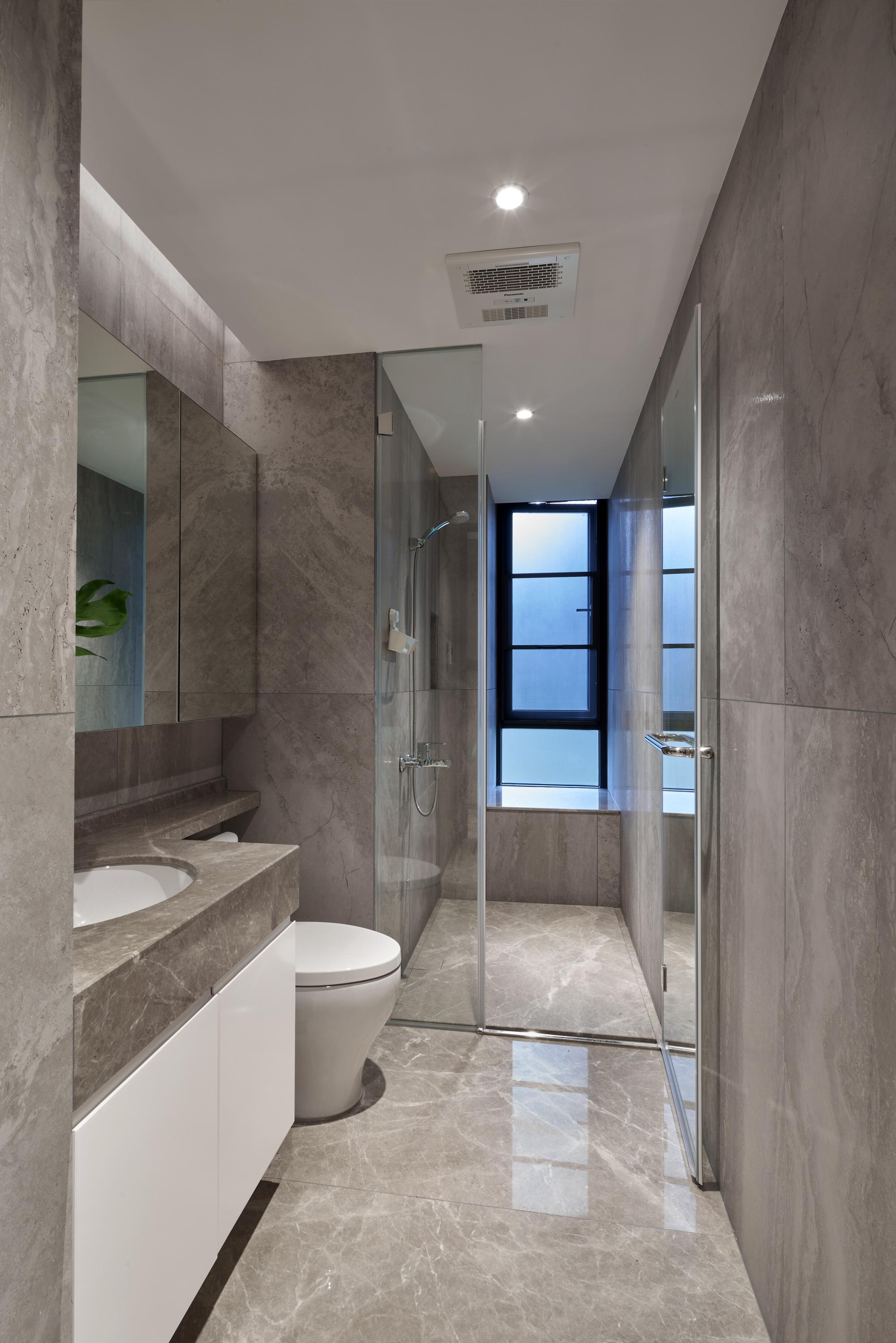 温馨130平简约四居卫生间装修美图卫生间马桶现代简约卫生间设计图片赏析