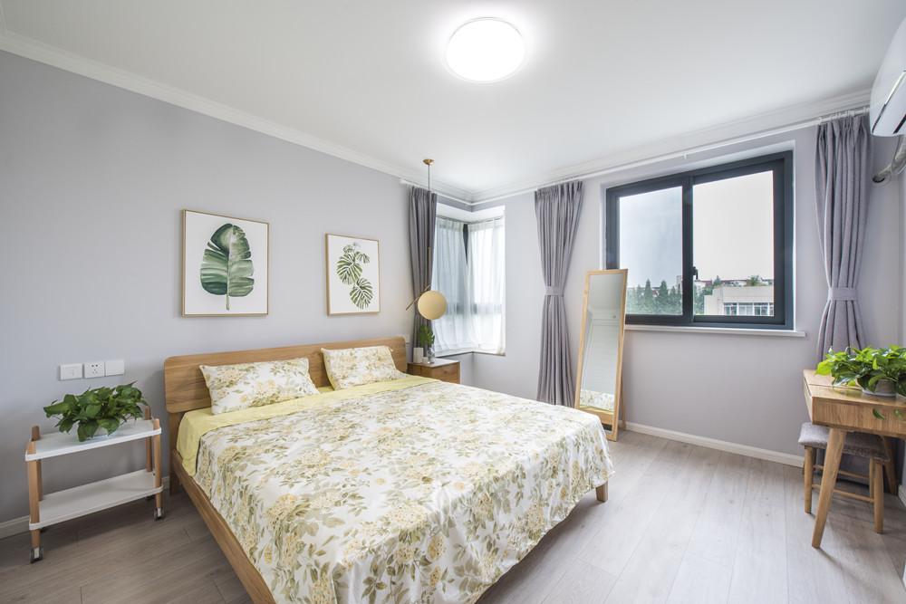 轻奢82平北欧二居卧室装修图卧室窗帘北欧极简卧室设计图片赏析
