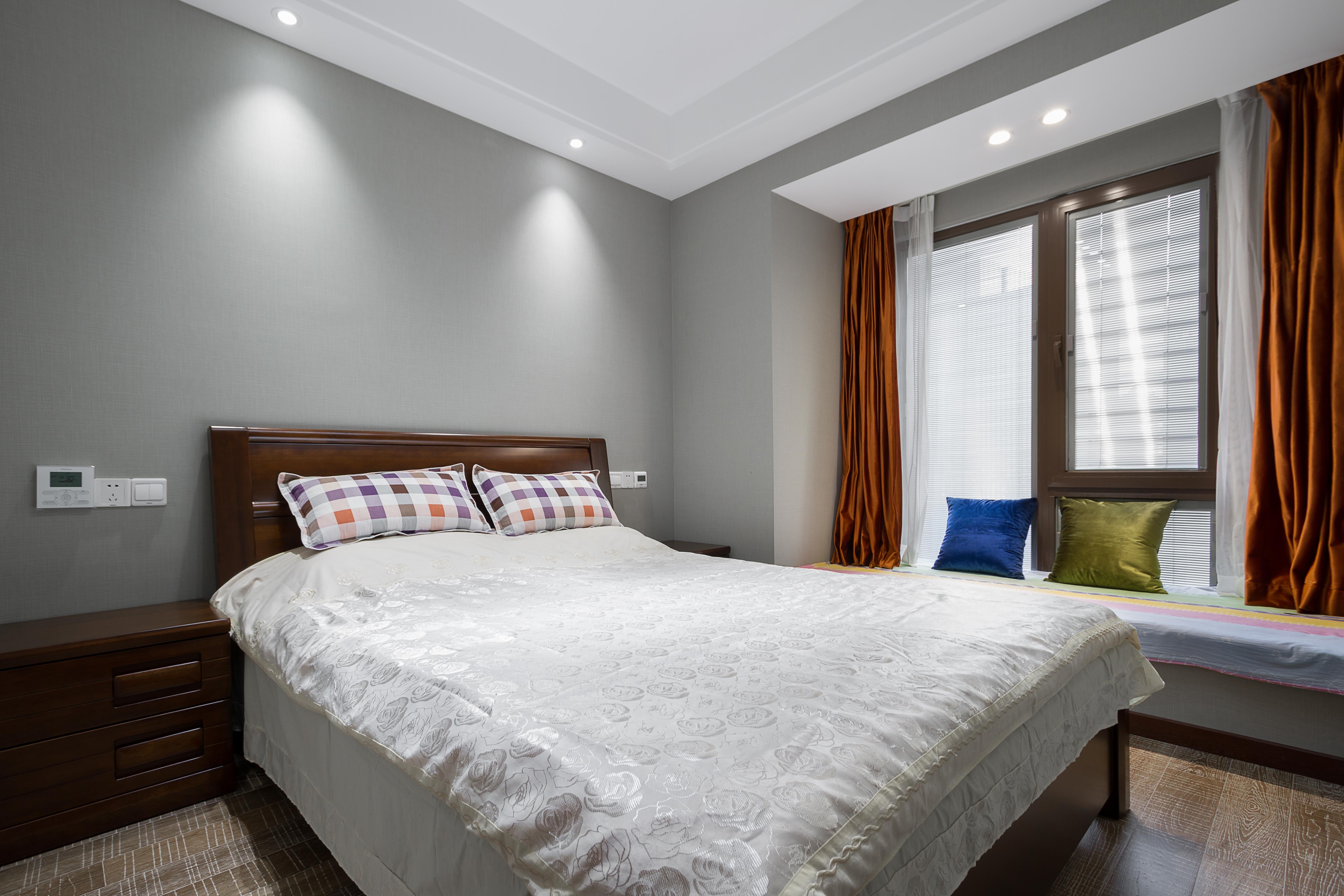 轻奢124平现代四居卧室装修设计图卧室窗帘现代简约卧室设计图片赏析