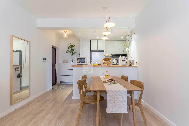 轻奢120平日式三居餐厅装修效果图厨房木地板日式餐厅设计图片赏析