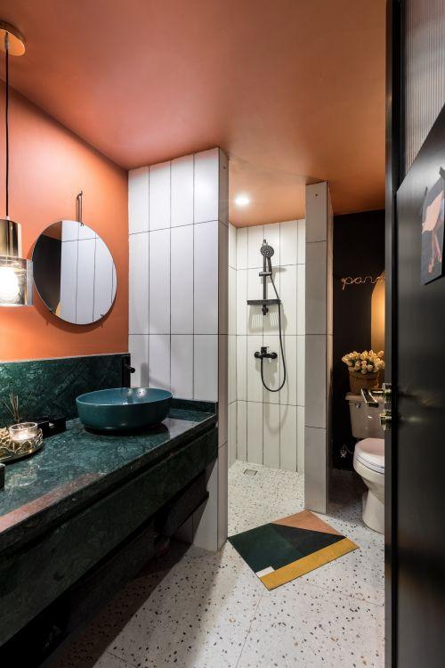 温馨76平混搭二居客厅装修效果图卫生间瓷砖