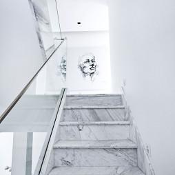 【世贸龙湾】别墅楼梯图片