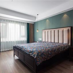 《芳华》美式三居卧室实景图片