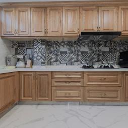轻奢混搭风别墅厨房设计图