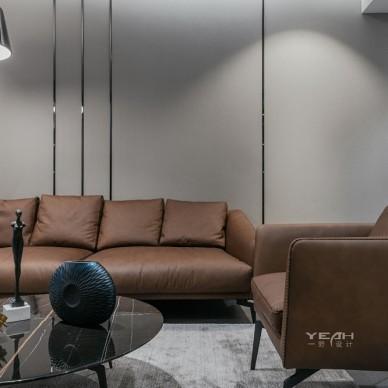150㎡ | 现代简约客厅沙发实景图片