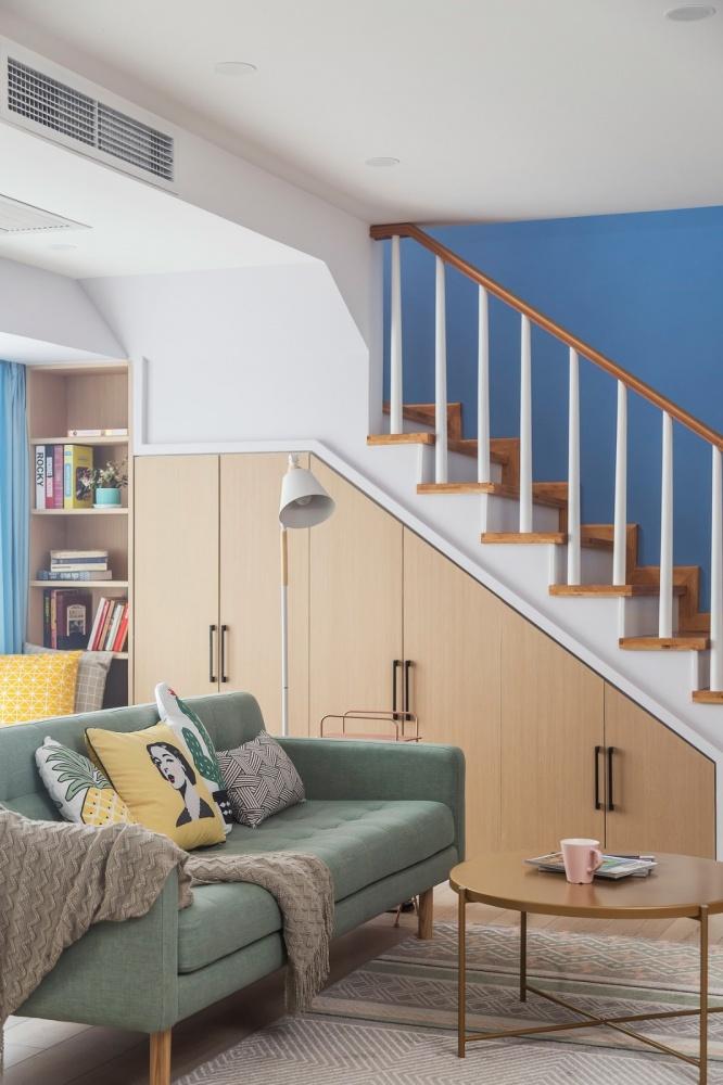 简约清新北欧楼梯储物柜设计功能区北欧极简功能区设计图片赏析