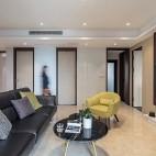 明亮简洁现代客厅实景图