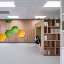 华中师范大学附属龙园学校图书馆设计