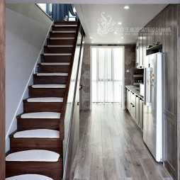 现代风格三居楼梯实景图