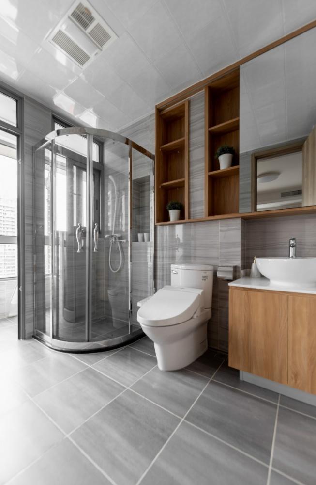 """隐形收纳:他家柜子就像""""全面屏""""卫生间2图现代简约卫生间设计图片赏析"""