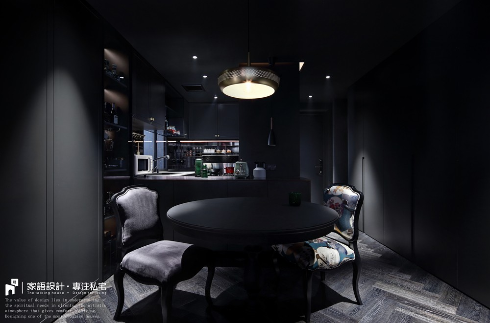 黑色·幽默厨房潮流混搭餐厅设计图片赏析