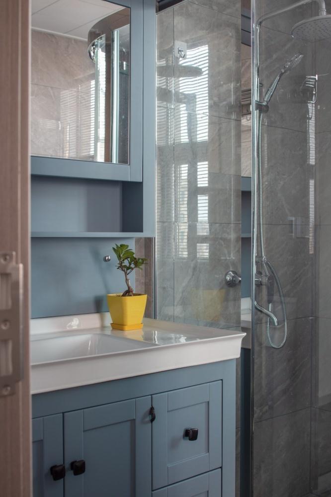 余辉设计《橙色时光,现代轻奢公寓》卫生间现代简约卫生间设计图片赏析