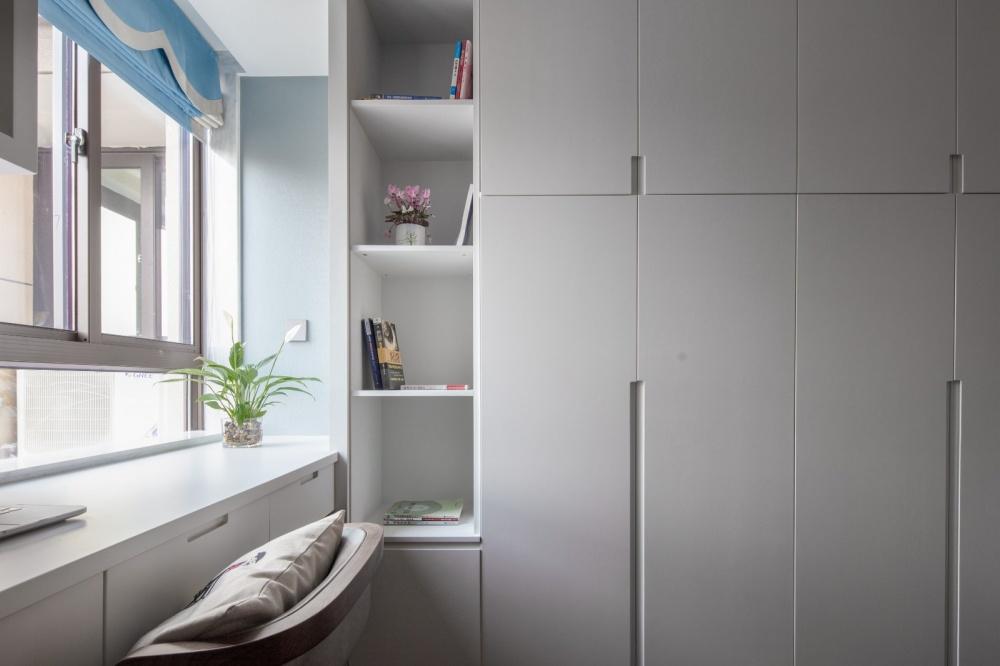 余辉设计《橙色时光,现代轻奢公寓》功能区3图现代简约功能区设计图片赏析
