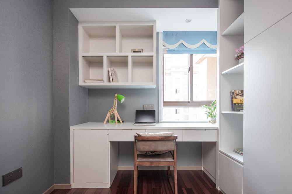 余辉设计《橙色时光,现代轻奢公寓》功能区2图现代简约功能区设计图片赏析