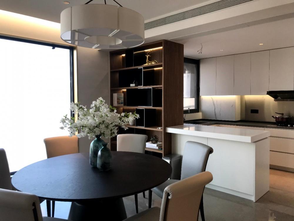 翡翠滨江设计回访实拍厨房现代简约餐厅设计图片赏析