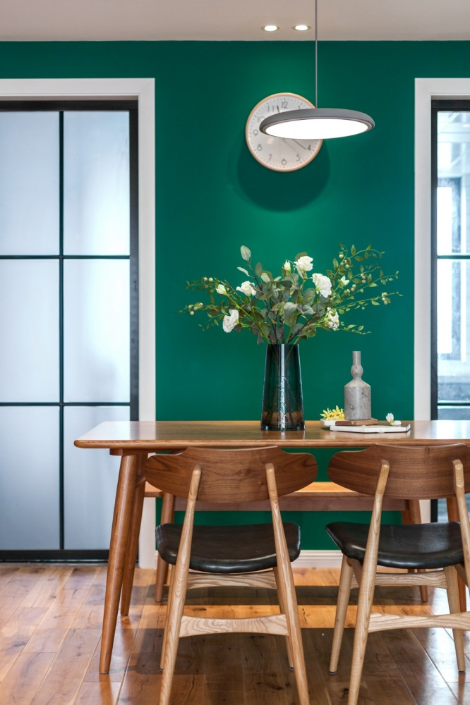 老师的家|全面墙书柜客厅+隐形门设计厨房1图现代简约餐厅设计图片赏析
