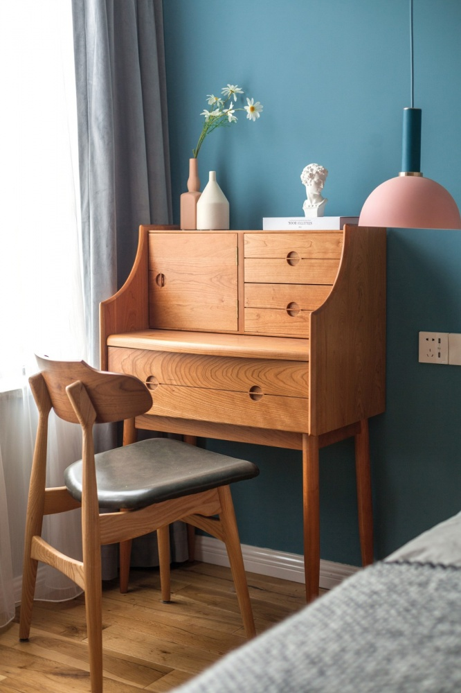 老师的家|全面墙书柜客厅+隐形门设计卧室1图现代简约卧室设计图片赏析