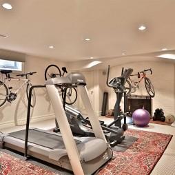 美式风情的浪漫演绎法——健身房图片