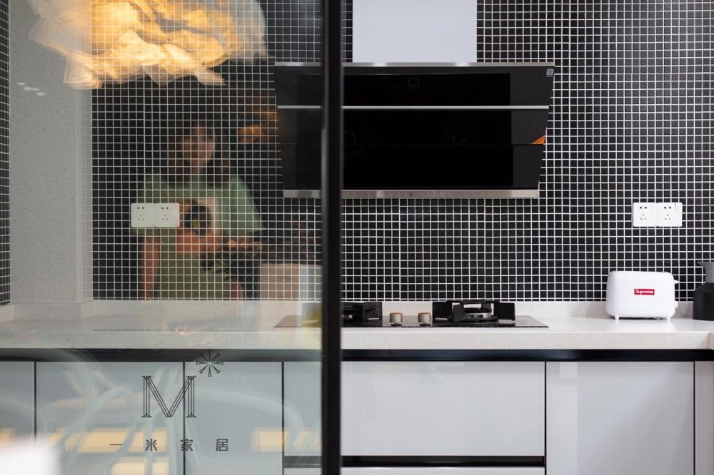 """一间有质感的单身公寓助你""""早日成家""""餐厅现代简约厨房设计图片赏析"""