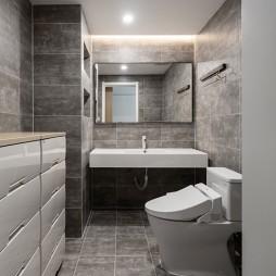 200平米现代简约卫生间设计图