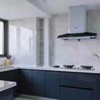 142平米现代简约厨房设计图