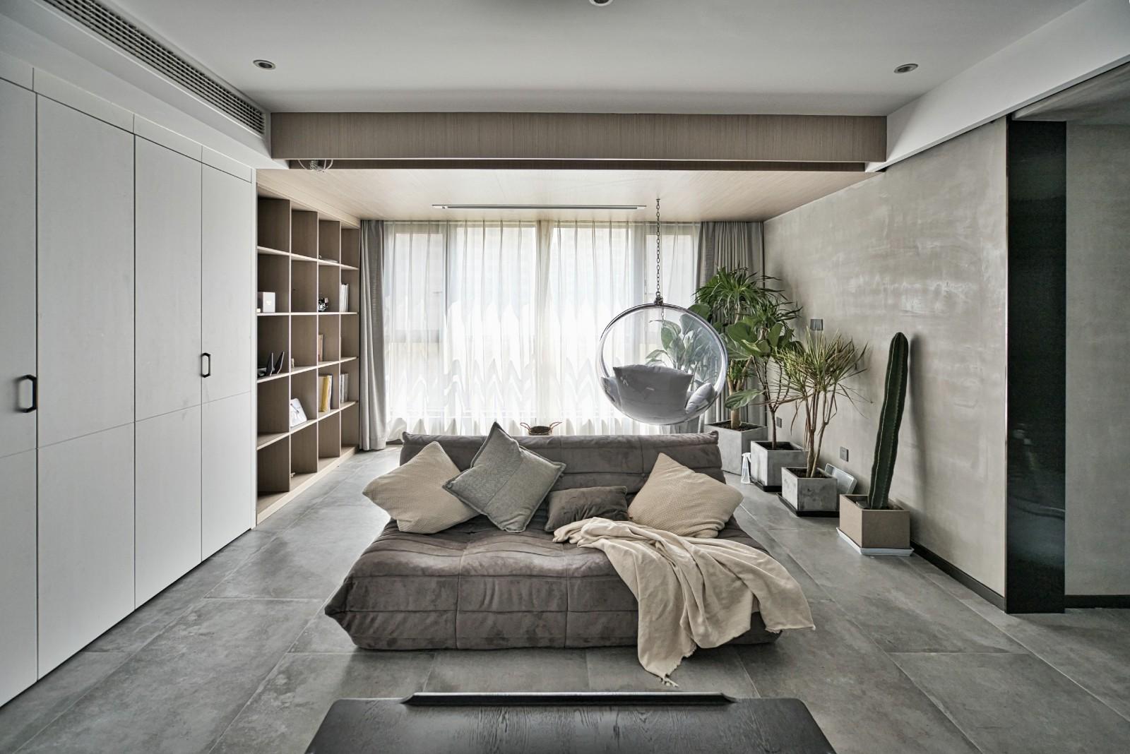 水泥灰极简风,像极了一个纯净而有趣的灵魂客厅潮流混搭客厅设计图片赏析