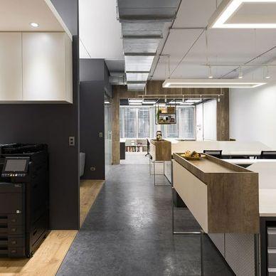 办公室装修,看看这套黑色办公室装修设计图_3917726