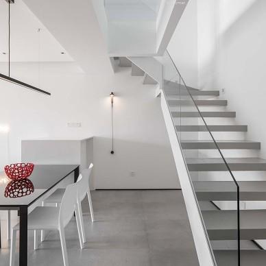 三代同堂極簡風——樓梯圖片