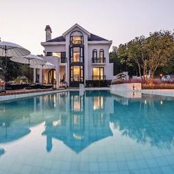 为一位爱马女孩打造梦想中的城堡——泳池图片