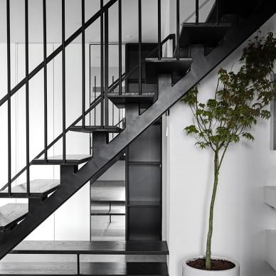 层叠光谱 镂空钢结构楼梯重塑光源_3985957