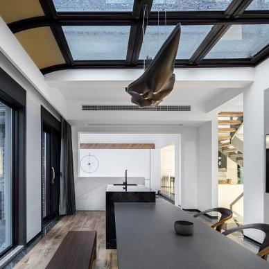 巧妙设计异形屋顶,为家带来山谷阳光!_4075592