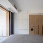 没有沙发的客厅成为家庭中快乐亲子互动空间_1593832282_4193097